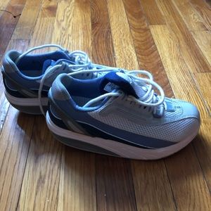 MBT Shoes - MBT Boost walking/fitness shoes